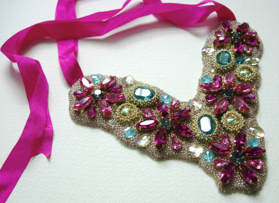 Crystal_Bib_Necklace_made_with_SWAROVSKI_ELEMENTS