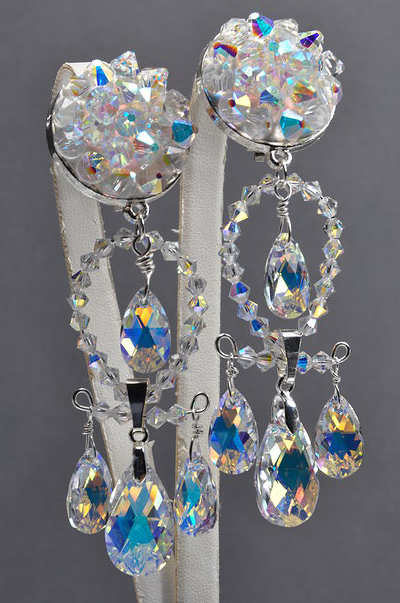 Swarovski_Crystal_Chandelier_earrings_Pearshape_Pendants_and_Bicone_Beads