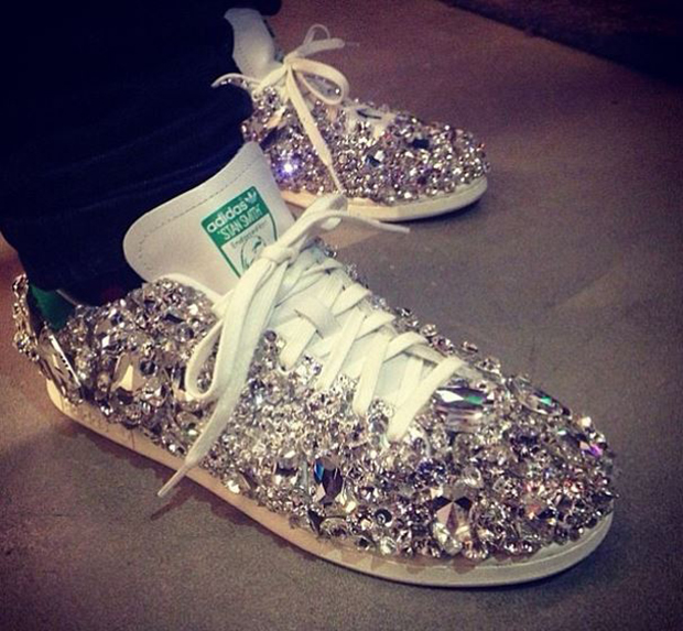What Size Of Glitter Is Good For Customizing Shoes