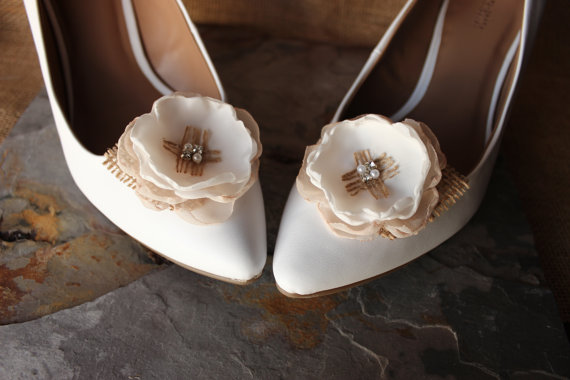 Bridal shoes with silk flowers