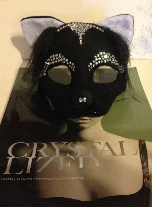 free-diy-diresctions-on-adding-swarovski-crystals-to-halloween-mask-design-and-instructions