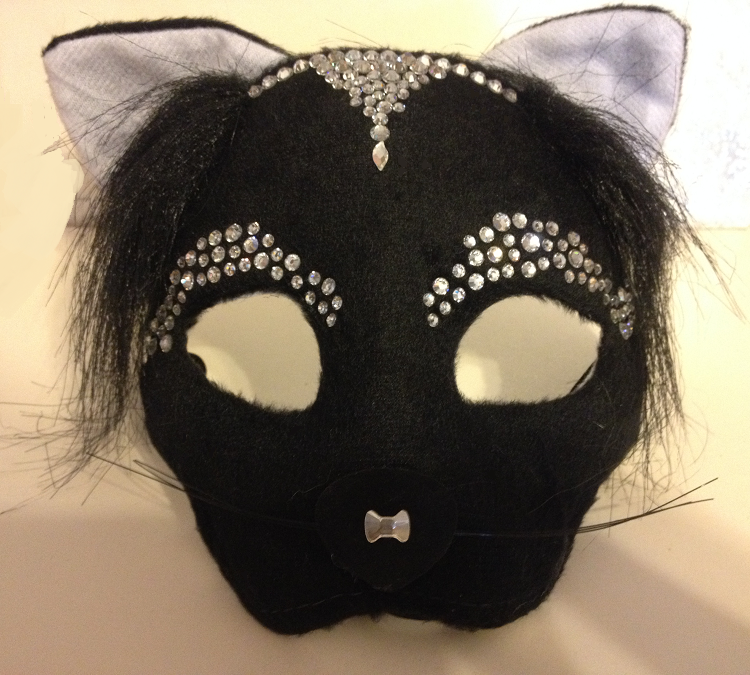 free-diy-diresctions-on-embellishing-swarovski-crystals-to-halloween-mask