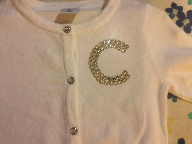 diy-swarovski-crystal-flat-backs-to-shirt-for-cubs