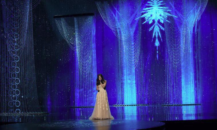 2014-87th-academy-awards-swarovski-crystal-stage