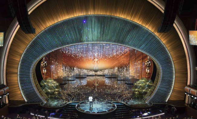 swarovski-crystal-oscar-stage-insightful