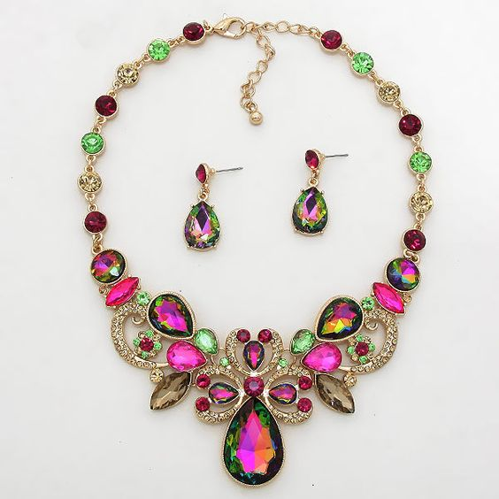 Jewelry_Trend_bold_bright_Colors