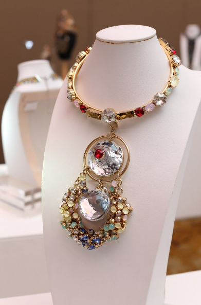 Swarovski_Crystal_Jewelry_Trends_and_Inspiration