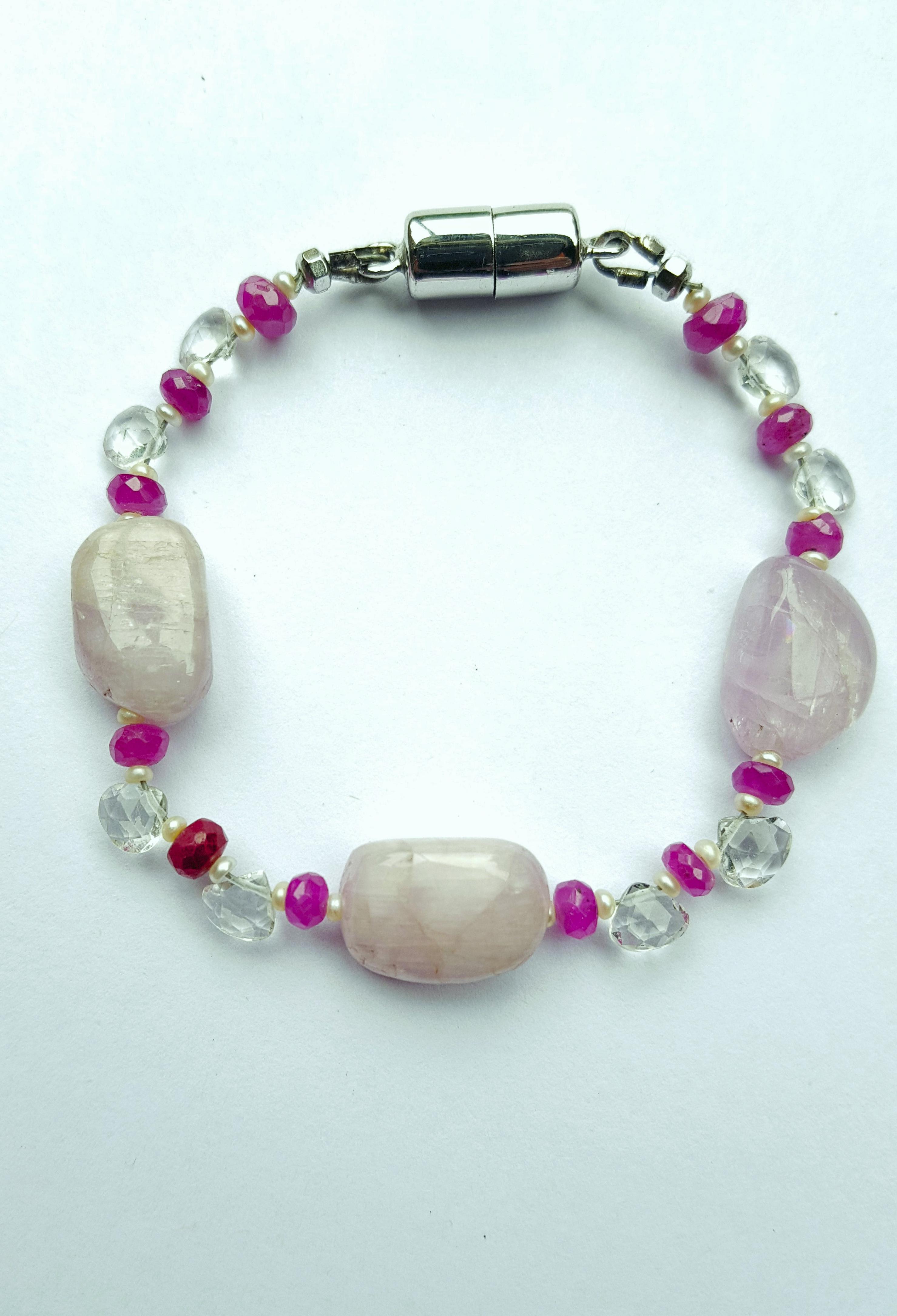 Bracelet design.png