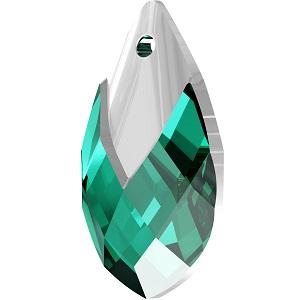 Swarovski_Crystal_ 6565_Metallic_Cap_Pear-shaped_Pendant_ Emerald_with_Crystal_Light_Chrome_Cap_jewelry_trends